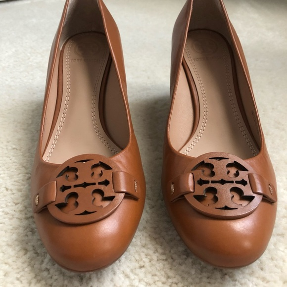 459dcbe22 Tory Burch Miller 65MM Wedge Veg Nappa Size 6.5
